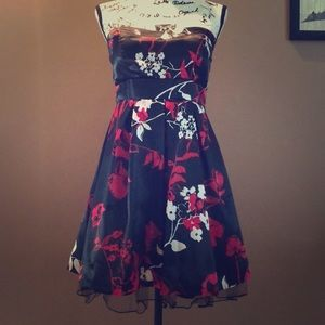 Charlotte Russe strapless homecoming/party dress